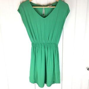 Gorgeous, simple green sleeveless dress w/ pockets